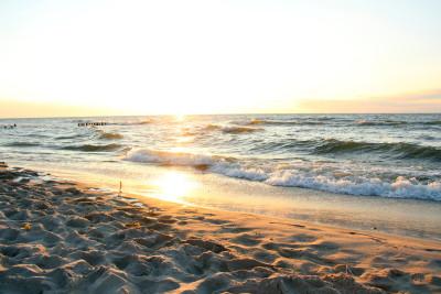 nadmorski zachód słońca
